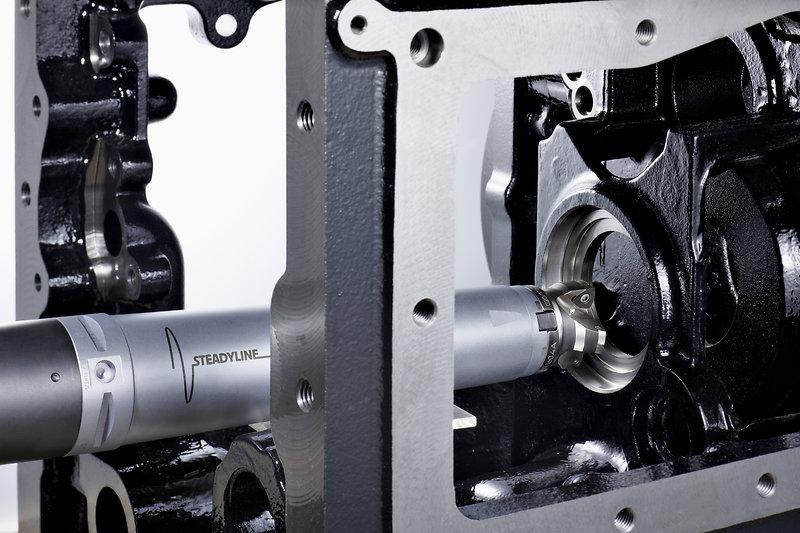 El control de vibraciones pasivo/dinámico impulsa la productividad en el mecanizado