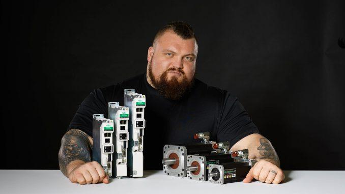 Control Techniques ficha al hombre más fuerte del mundo