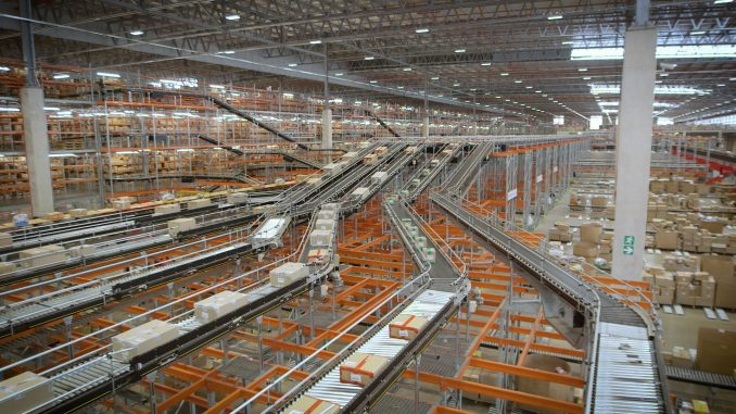 La plataforma de transporte modular MCP de Interroll triunfa en Sudáfrica