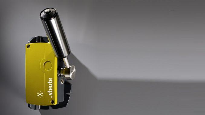 Nuevo interruptor de desplazamiento espontáneo de cinta ZS 92 SR de steute