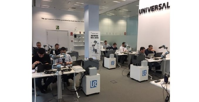universal robots centros de formación