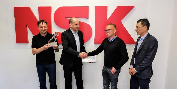Coroll se convierte en el primer socio certificado del programa AIP de NSK en la República Checa