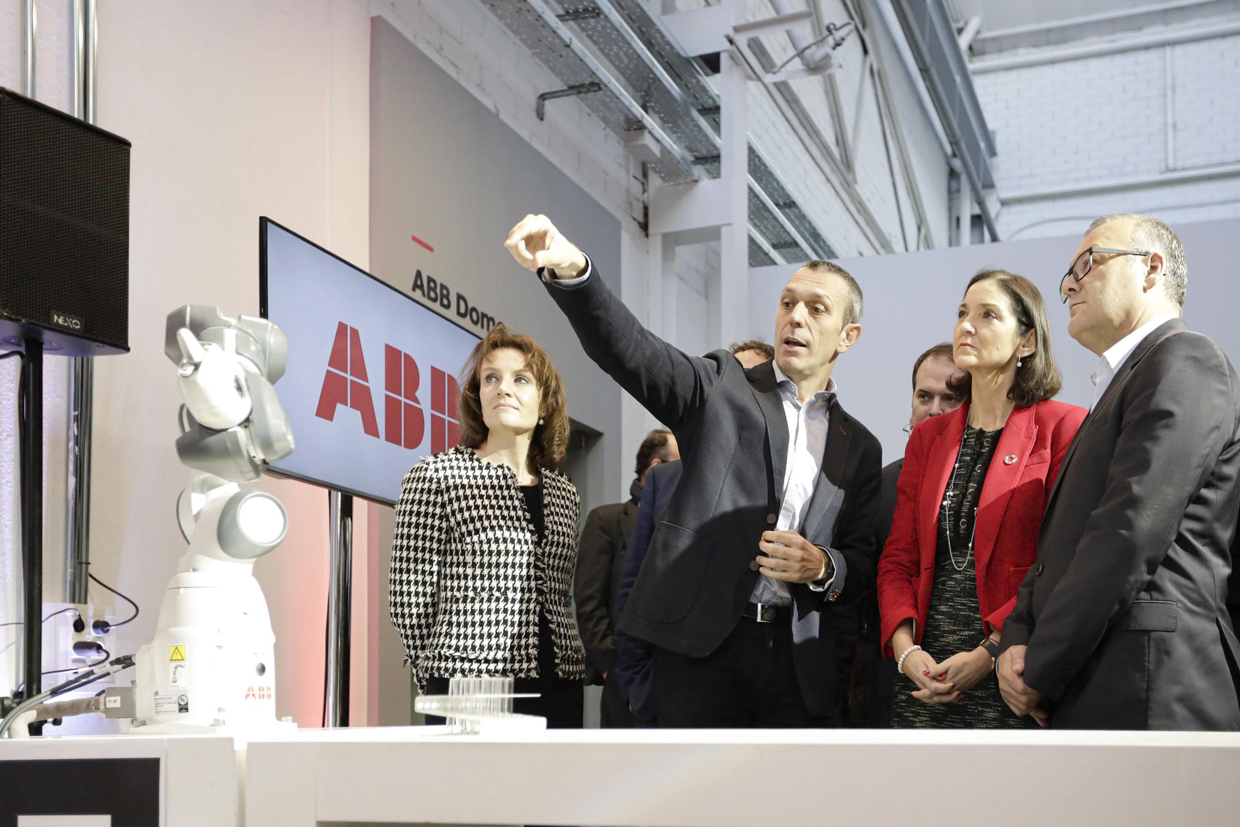 ABB inaugura un nuevo centro de innovación para impulsar la robótica y la automatización en España