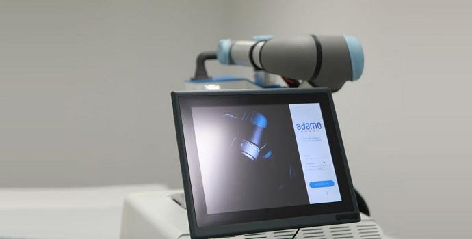 Crean el primer sistema robótico colaborativo del mundo para tratamientos de fisioterapia con el cobot UR5e