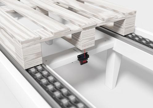 Sistema de sensor listo para funcionar directamente en la línea de transporte de la mano de Leuze
