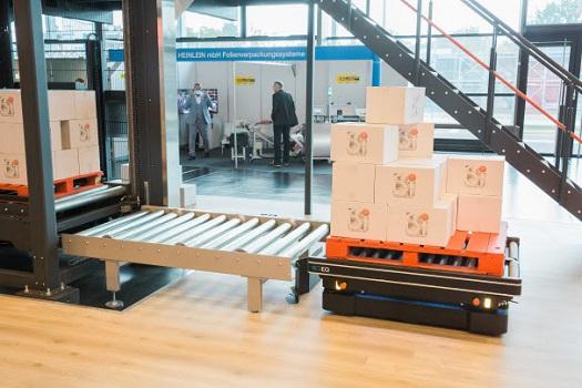 MiR Robots se alía con CSi palletising e integra su nuevo robot MiR1350 para automatizar el transporte de materiales en la industria de bienes de consumo